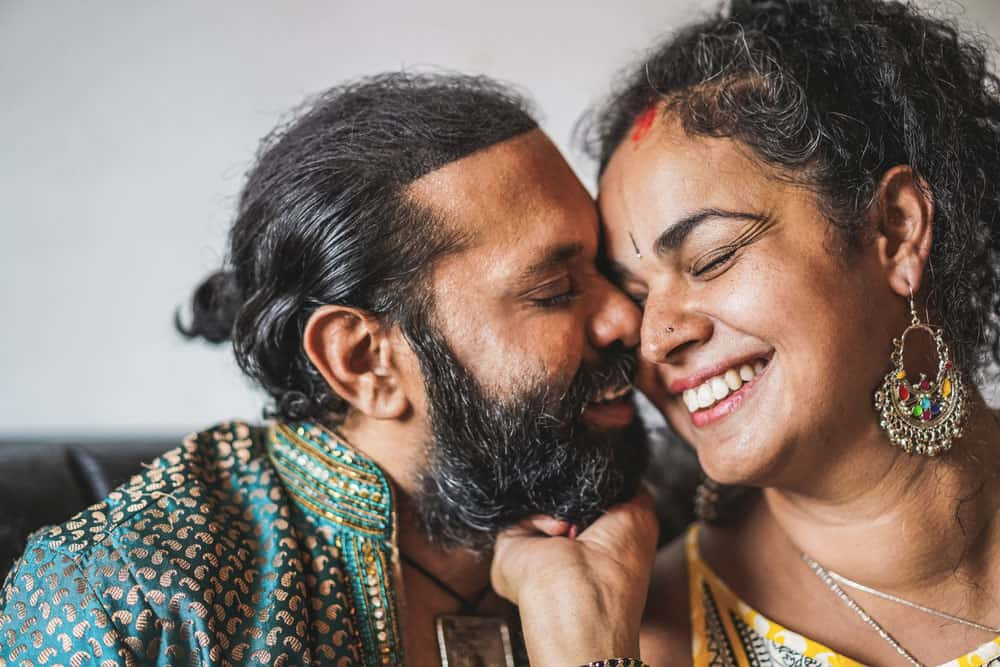 indian-husband-wife-having-tender-moments-portrait-happy-southern-asian-couple-love-ethnic-india-s-culture-concept