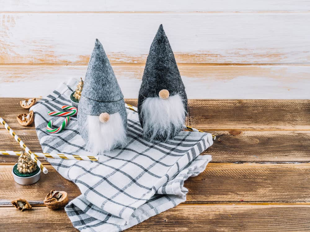small-christmas-elves-with-candy-canes-table