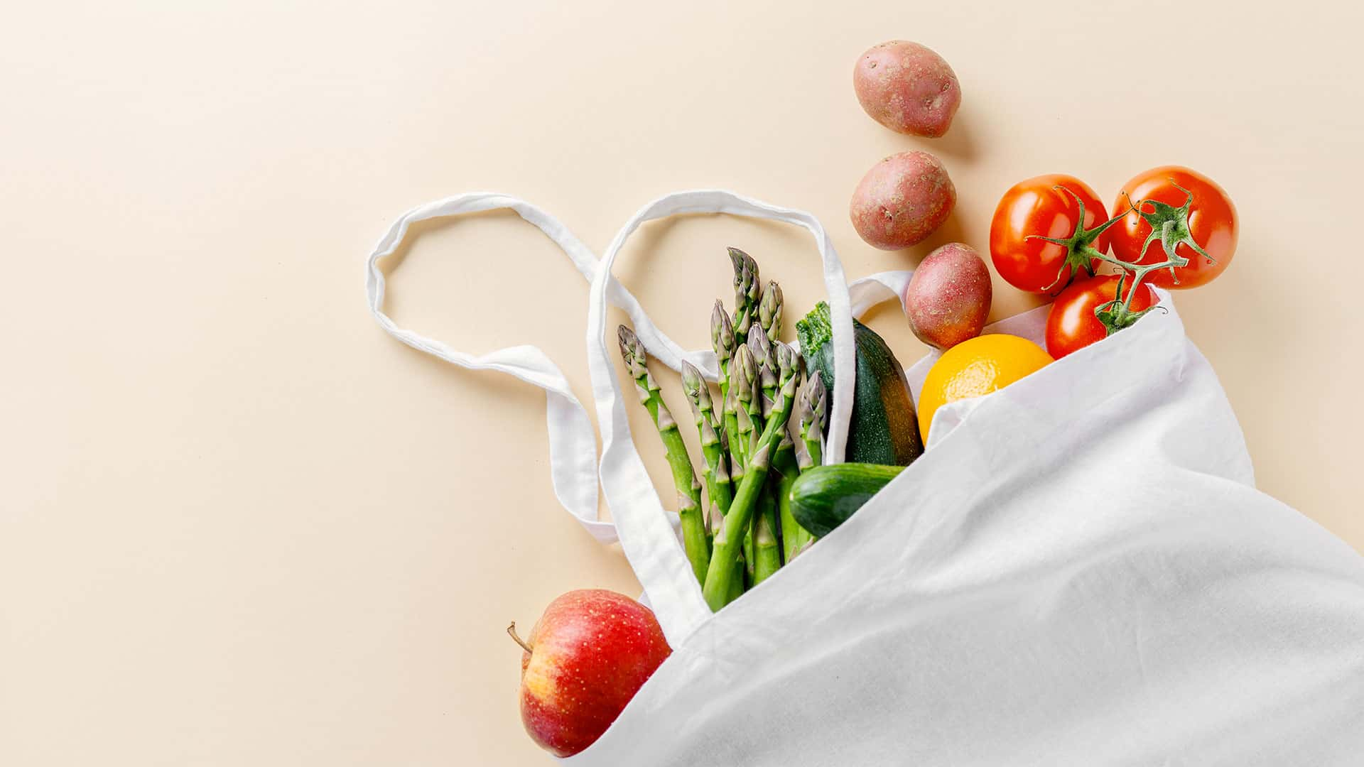 fruit-and-vegetables-in-shopping-bag