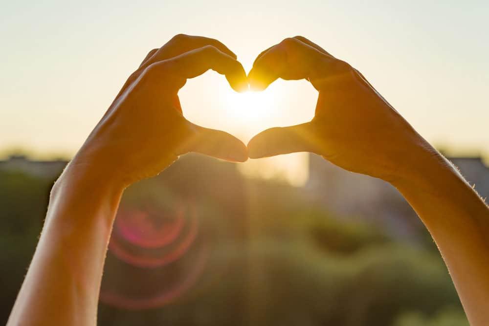 hands-show-gesture-heart