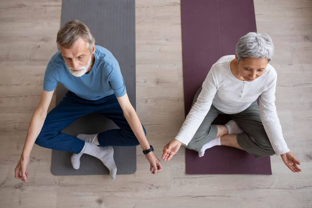 couple-training-together-home