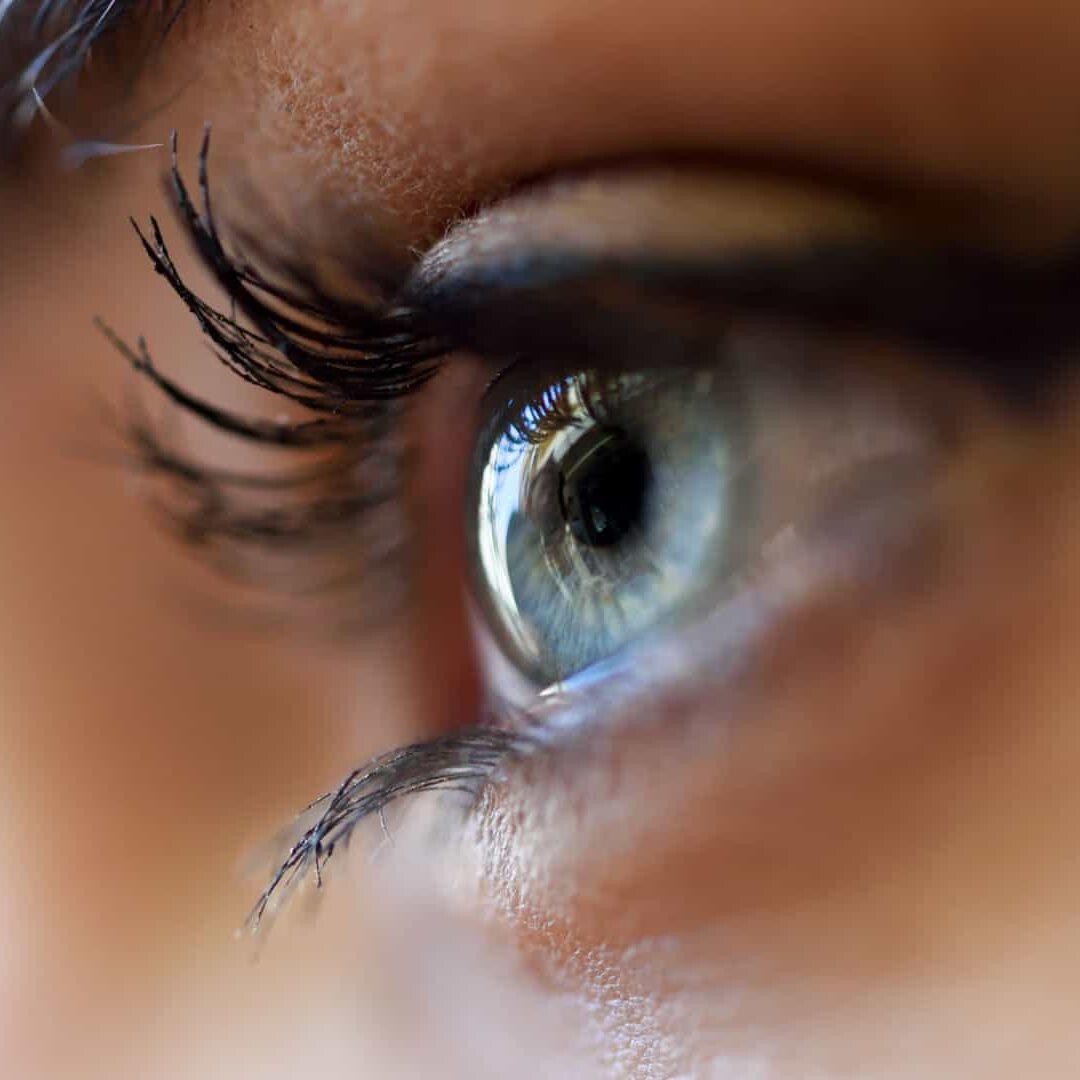 blue-female-eye-closeup