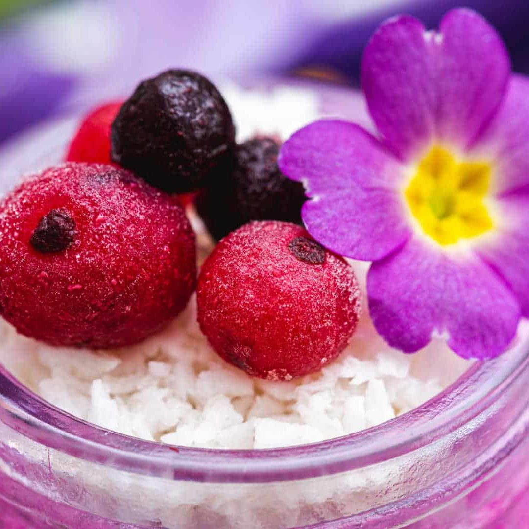 sweet-berries-flower-toppings-purple-spring